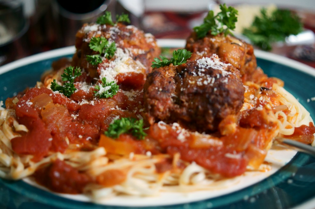Homemade Italian Spaghetti Sauce with Meatballs