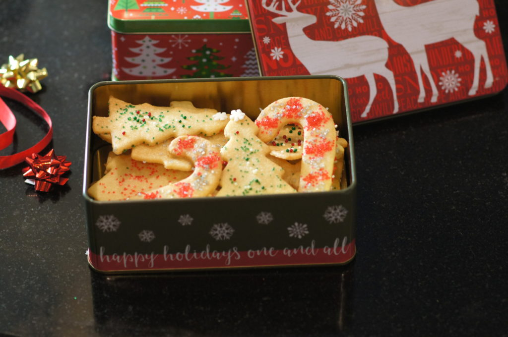 Mime's Sand Tarts in Christmas Tins
