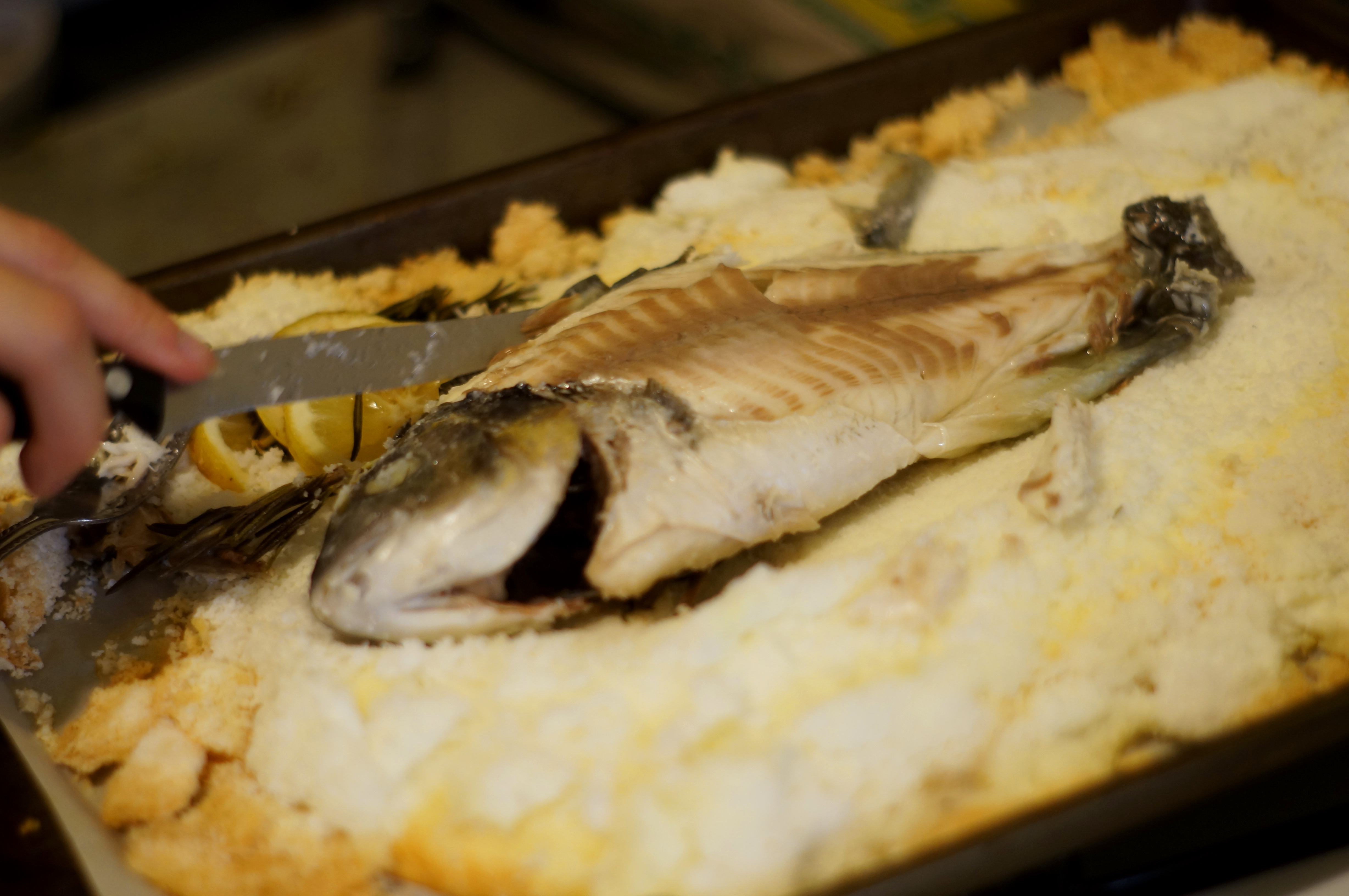 How correctly to bake fish in salt